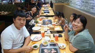 ВЛОГ Корея / Пошли на МЯСО в Корее /Серж жарит и кушает с аппетитом! /15.08.19