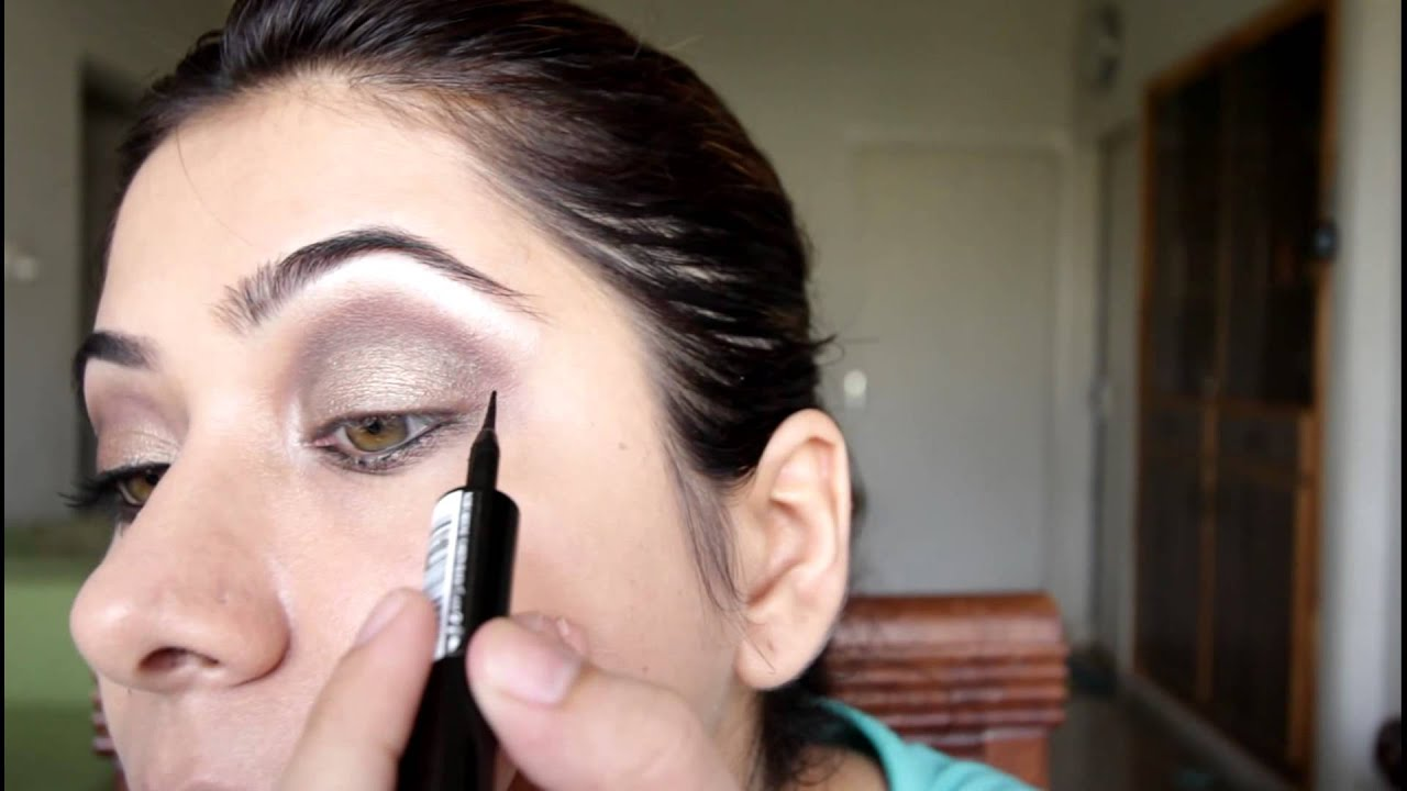 Eye Makeup Tutorial: How to use Naked2 eyeshadows to ...