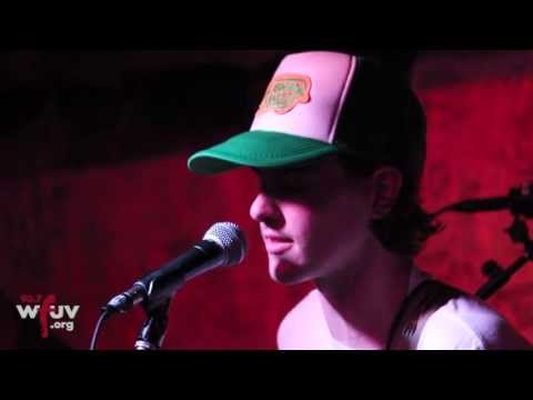 """Houndmouth - """"Come On, Illinois"""" (Live at Hill Country)"""