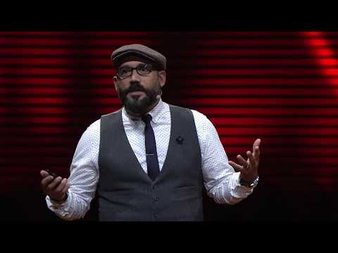 Fake news and the future of journalism | Robert Hernandez | TEDxKC