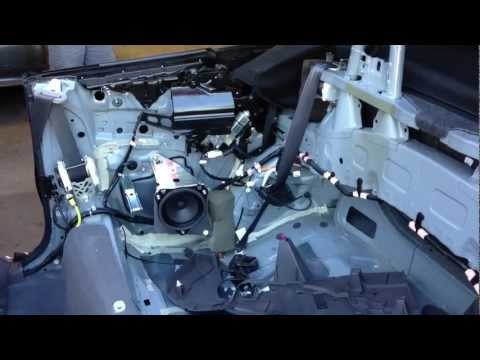 How to fix TOYOTA SOLARA Convertible JBL Stereo Cutting out problem