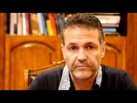 Khaled Hosseini tells his refugee story