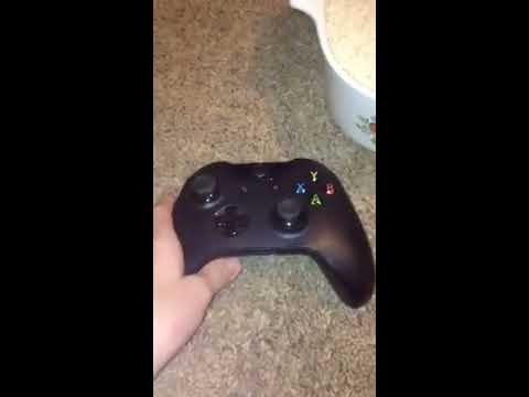 How to fix wet Xbox controller. With Rice!