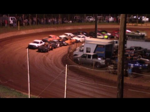 Winder Barrow Speedway Stock Four Cylinders Feature Race 4/9/16