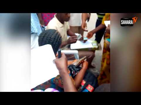 Video Shows Ekiti PDP Bribing Voters With N,3000 To N5,000 At Old Government House