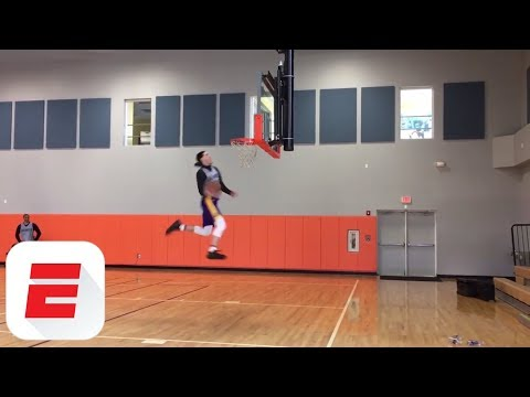 Lonzo Ball and Kyle Kuzma have dunk-off at Lakers practice | ESPN