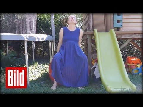 geburt im garten mutter bringt kind zwischen rutsche und trampolin zur welt youtube. Black Bedroom Furniture Sets. Home Design Ideas