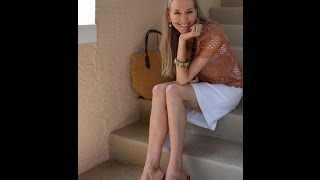 Classic Fashion Over 40/Over 50: 12 Classic Warm-Weather Outfits