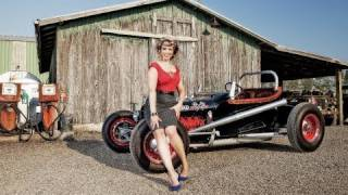 Video Classic Car Photo Shoot and Vintage Fashion! download MP3, 3GP, MP4, WEBM, AVI, FLV Agustus 2018