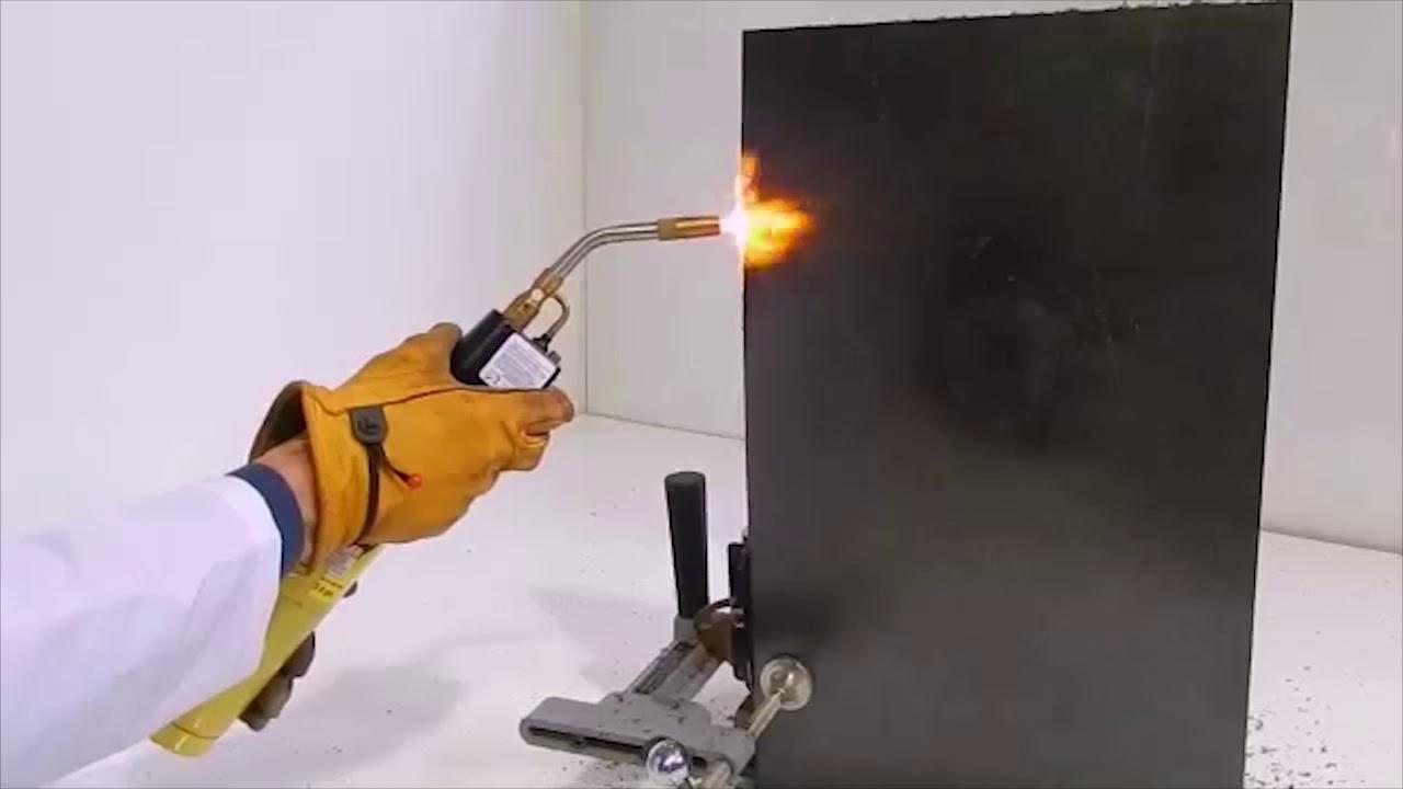 Open Flame Test On Uhmwpe Fire Retardant Plastic Youtube