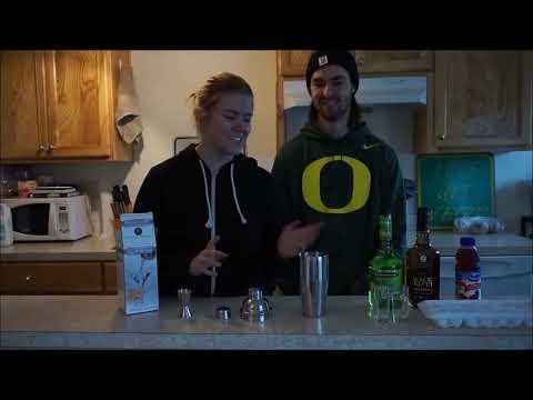 COLLEGE COCKTAILS -  WASHINGTON APPLE