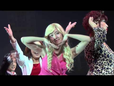 121227 Legally Blonde Curtain call Jessica By Red138
