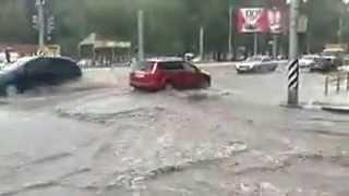 Ливень в Саратове потоп 24.06.2013