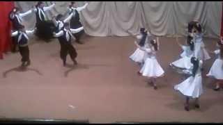 escondido y gato de proyección. ballet taragui danza
