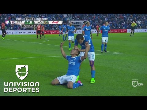 Golazo de Ángel Mena para el 1-0 de Cruz Azul sobre Chiapas