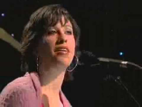 ALANIS MORISSETTE - EVERYTHING (Live acoustic 2004)