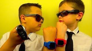 Download Спецагенты 007 Макс и 009 Ярик выполняют задание в ночном отеле Radisson Blu Kiev Mp3 and Videos