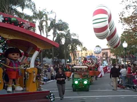 Macy's Christmas Day Parade at Universal Studios Orlando (Part 2 ...