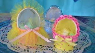 DIY babyshower bassinet with a cup/cunita con un vaso babyshower