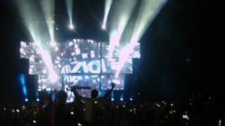 Avicii @ London 02 Arena ( Intro w/ Rob Dougan Clubbed To Death )