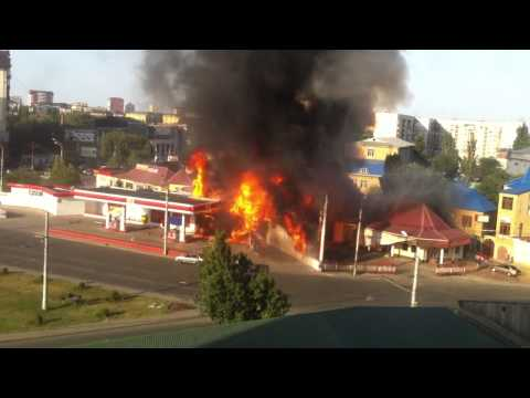 МАХАЧКАЛА момент взрыва авто Заправки 08.08.14 г
