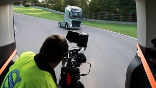 Volvo: Volvo Trucks - Behind the scenes: Volvo Trucks vs Koenigsegg