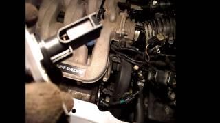 Mazda MPV эксплуатация и ремонт. Очистка датчика массового расхода воздуха (MAF).