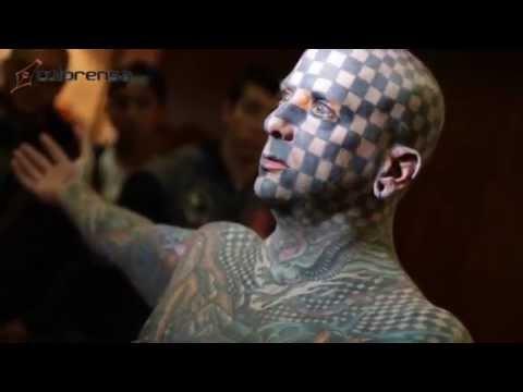 El Hombre Más Tatuado Del Mundo En Convención Internacional