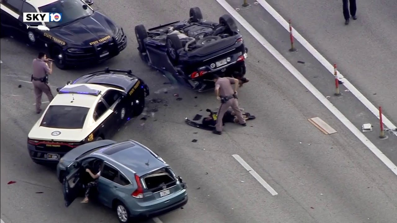 Download Car crashes during chase on I-95