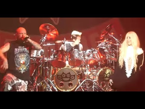 """FIVE FINGER DEATH PUNCH live w/ IN THIS MOMENT's Maria Brink """"The Bleeding""""!"""