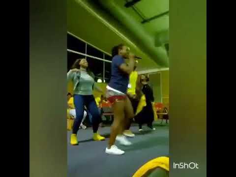 uzalo Gc dancing like he is drunk on uzalo😂😂😂😂
