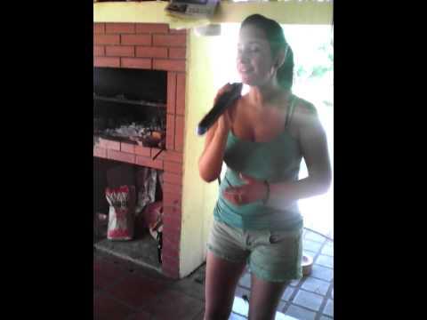 Lorena Silva... karaoke en casa