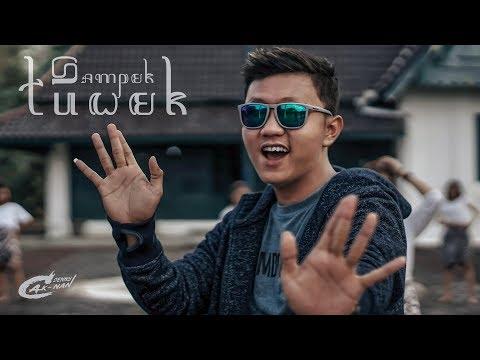 official-video-clip-denny-caknan-sampek-tuwek
