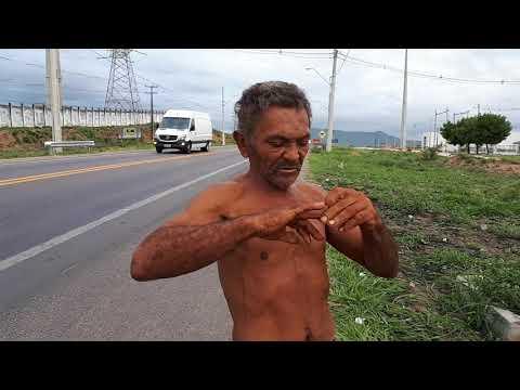 DESCASO: HOMEM DESORIENTADO E SEM FAMILIARES PERAMBULA AS MARGENS DA BR 407 EM BONFIM