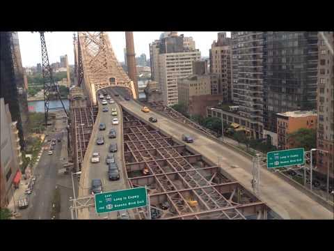 "Roosevelt Island Tramway -""Red Bus"" the Manhattan-bound/Kolejka linowa w Nowym Jorku"