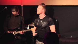 Riku Torkkeli - Onnelliset live @ Hangout