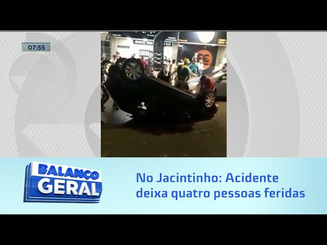 No Jacintinho: Acidente deixa quatro pessoas feridas na Rua Cleto Campelo