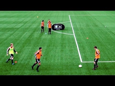 How to play like Spain | Fast combinations | Part One | Soccer passing drill