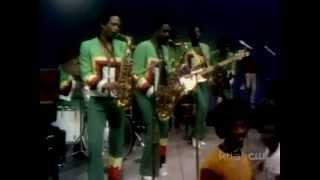 B.T. Express - Expose Yourself [+ Interview] Soul Train 1977