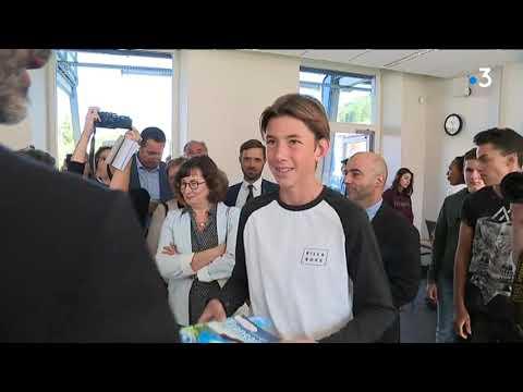 Rentrée Scolaire : Laurent Wauquiez Prône La Gratuité Des Manuels à Voiron (Isère)