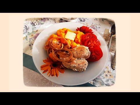 Карантин-Время-Здоровье. Завтрак готовит себя сам за время зарядки. Тыква,лук, курица.Будем здоровы!