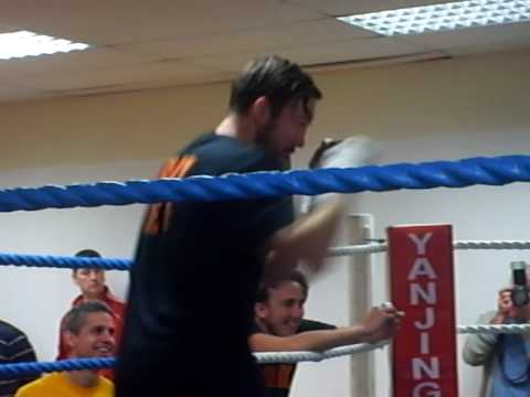 Andy Lee Public Workout before the Mamadou Thiam Clash