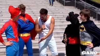 Группа Герои спасают поклонниц