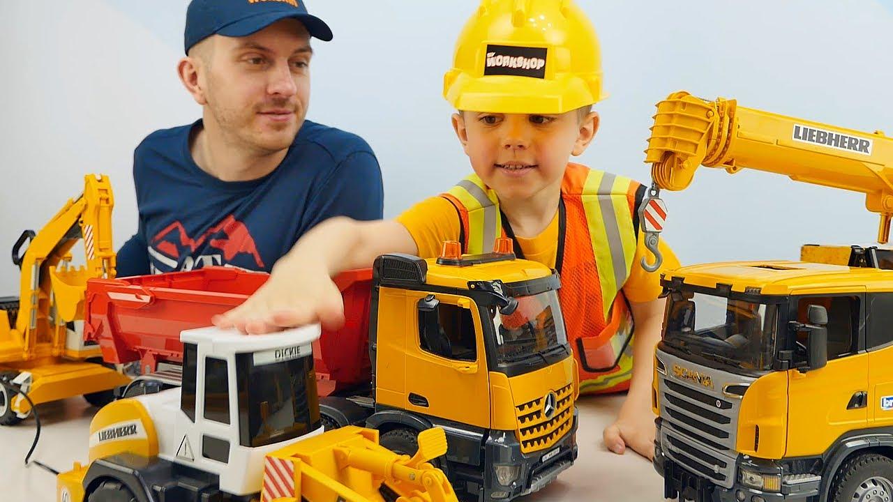 МАШИНКИ и Строитель Даник / Грузовики, КРАНЫ и Рабочие Инструменты для детей. Даник и машинки