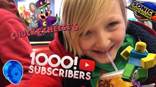 OPENING ROBLOX BLIND BOXES AT CHUCK E CHEESE'S CELEBRATING 1K SUBSCRIBERS THANK YOU SO MUCH!