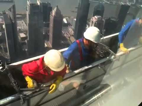 Window cleaning in Shanghai
