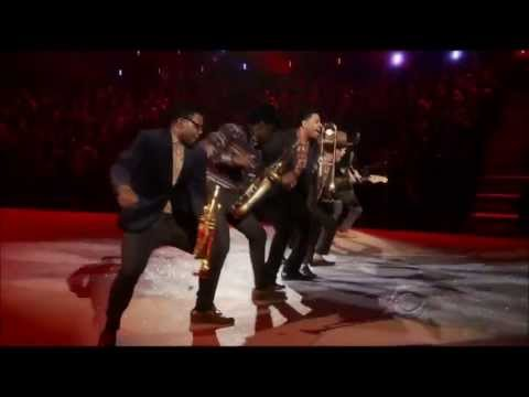 Bruno Mars   Locked out of heaven Live Performance Victorias Secret Fashion Show 2013