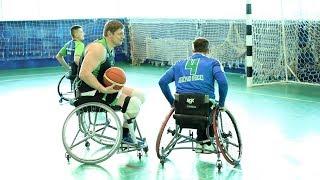 Самые сильные руки: югорские «легионеры» готовятся к первенству РФ по баскетболу на колясках