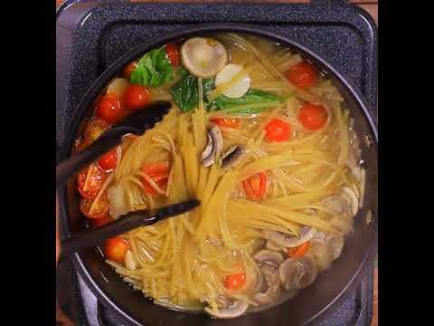 Spaghetti Doria con Tomates Cherry, Champiñones, Albahaca fresca y Salsa lista sabor Finas Hierbas