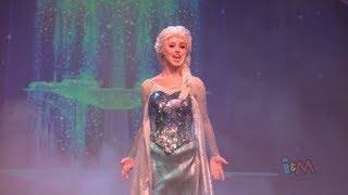 Video Elsa, Anna, Kristoff perform Let It Go in Frozen sing-along stage show finale at Walt Disney World download MP3, 3GP, MP4, WEBM, AVI, FLV Maret 2018
